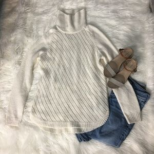 Lou and Grey White Turtleneck Sweater
